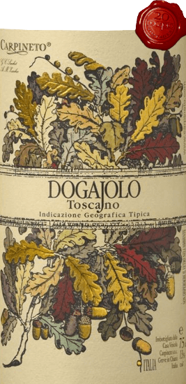 Dogajolo Toscano Rosso od Carpineta je klasika mezi dětskými supertuscany. Stejně jako u všech Super Toskánců je vinná réva Chianti Sangiovese srdcem vína Dogajolo Rosso. Kromě toho se přidává Cabernet Sauvignon a další odrůdy hroznů. Barvu Dogajolo Rosso nejlépe popisuje jasně třešňově červená. Leží uprostřed husté sklenice a elegantně voní po zralých višních, doplněných granátovým jablkem a červeným rybízem. Jemné odstíny vanilky a jemný náznak dubového komplexu. Na patře je Dogajolo Toscano Rosso příjemně svěží, živé a přilnavé. Dárky, ale dobře integrované třísloviny a čerstvé ovocné kyseliny dávají vínu pocit a charakter. Vynikající společník s jídlem, který se nevzdává své mysli ani s bohatou, mastnou stravou. Vinifikace Dogajolo Toscano Rosso Hrozny se sklízejí odděleně podle odrůd a sklízejí se odděleně. Dozrávají pak v malých, použitých dubových sudech, ve kterých dochází i k biologické přeměně kyselin. Po plnění v březnu a dubnu následujícího roku se toto červené víno z Toskánska prodává přímo, ale může také zrát několik let bez problémů. Doporučení k jídlu pro Dogajolo Toscano Rosso od Carpineto Vychutnejte si tento toskánský cuvée s vydatnými masnými pokrmy, grilovaným hovězím a vepřovým masem nebo s vydatným klobásovým talířem s dobrým chlebem z farmy. Samozřejmě, Dogajolo Rosso se hodí také k těstovinám s masovými nebo rajčatovými omáčkami. Ocenění pro Carpineto Dogajolo Rosso Výběr: 3 hvězdičky (velmi dobré) pro rok 2015 Vinný nadšenec: 86 body za rok 2015 Wine Spectator: 86 body za rok 2014 Wine Align: Nejlepší hodnota pro rok 2012 World Wine Award of Canada: Zlato za rok 2012