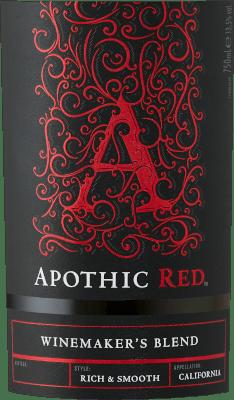 Cílem vinařů stojících za Apothic Wines je vytvářet vína s charakterem, která zároveň osloví široké masy. Vinařka Debbie Juergensonová se proto spoléhá na zvláštnosti jednotlivých odrůd hroznů, které jsou součástí apothajských vín. Proto dnes vytvořili výjimečné cuvee Apothic Red a Dark, jedno ovocné, druhé spíše trpké. Gotický půvab etiket, které odkazují na temný a tajemný středověk, dodává vínům další jedinečnou výhodu. Ideální společník pro historický večer nebo další strašidelný film! Apothic Red z kalifornského webu Apothic Wines má po nalití do sklenice jasně karmínově červenou barvu. Toto červené víno z USA, nalité do sklenice na červené víno, nabízí nádherně voňavou vůni černých třešní, moruše, švestek a borůvek, doplněnou skořicí, vanilkou a orientálním kořením. Apothic Wines Apothic Red nám ukazuje neuvěřitelně ovocnou chuť, což není bezdůvodné vzhledem k jeho profilu chuti se zbytkovou sladkostí. Na jazyku se toto vyvážené červené víno vyznačuje neuvěřitelně hustou strukturou. Díky vyvážené ovocné kyselosti Apothic Red lichotí chuti sametovým pocitem, aniž by zároveň postrádal svěžest. Závěr tohoto mladého červeného vína z vinařské oblasti Kalifornie nakonec přesvědčí dobrým dozvukem. Vinifikace Apothic Wines Apothic Red Vyvážené červené Apothic Red z USA je cuvée vyrobené z odrůd Cabernet Sauvignon, Merlot, Primitivo a Shiraz. Po ruční sklizni se hrozny okamžitě převezou do vinařství. Zde jsou vybrány a pečlivě rozděleny. Následuje kvašení v nerezových tancích při kontrolovaných teplotách. Po ukončení kvašení může Apothic Red ještě několik měsíců harmonizovat na jemných kvasnicích. Doporučení pro Apothic Wines Apothic Red Toto americké červené víno si nejlépe vychutnáte při teplotě 15-18 °C. Skvěle se hodí jako příloha k telecímu vařenému hovězímu s fazolemi a rajčaty, osso buco nebo pórkové tortille. Ocenění pro Apothic Red od Apothic Wines Kromě velmi dobrého poměru ceny a užitku se toto červené víno z Apothic Wines může pochlubit také oceněními, včet
